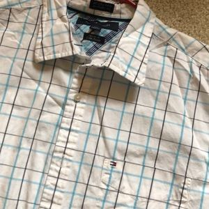 👽Tommy Hilfiger shirt size L